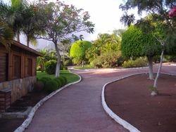 Park pored hotela