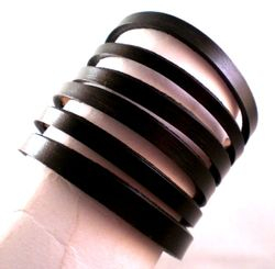 Victorian Style Slashed Cuff in Black