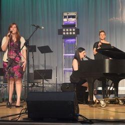 3 teachers sing