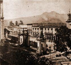 Atrio de la Catedral de Morelia, 1920.
