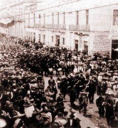 Desfile militar en Av. Madero, 1916. Morelia.