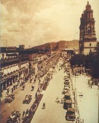Desfile en Av. Madero, 1930. Morelia.