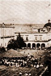 Explanada Catedral 1917, Morelia.