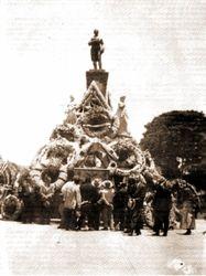 Monumento a Melchor Ocampo, 1930. Morelia.