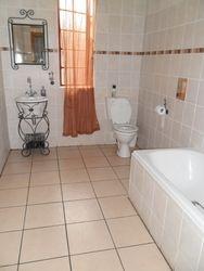 En-suite Bath Room 8