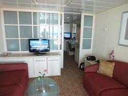 FV Cabin 7202 - Separate Lounge/bedroom