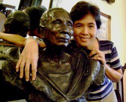Andrea with Bust of Lola Dicang