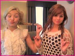 Hillarious Peyton & Debby!