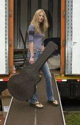 Taylor moving to Nashville 2