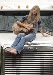 Taylor moving to Nashville 1