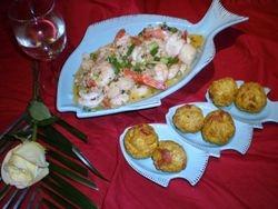 Shrimp & Scallop in white wine sauce & mofonguitos (smash plantain)