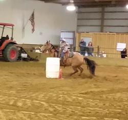 Kenna Belle running barrels