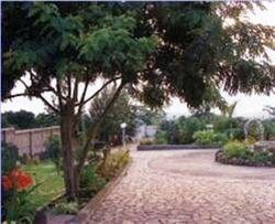 Rwenoziri Hotel