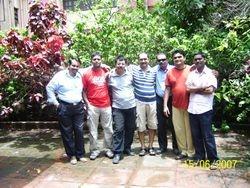 (L-R) Sachin, Sandeep, Mangesh, Hemant, Saleel, Manya and Dinkar
