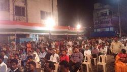 huge crowd....