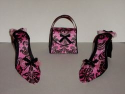 Pair of small heels with matching purse