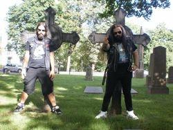 Slaughtered Priest at krist kirkegård