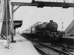 448G7 passes through Bescot Station 1962