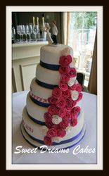 bruidstaart rozen waterval 100 pers.
