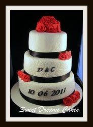 bruidstaart rood/zwart  40 pers.