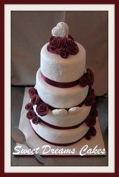 bruidstaart harten en rozen