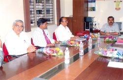 Principal meet with LIC 1