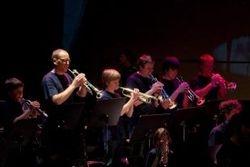 De trompetten in actie