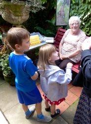 Ig talking to children