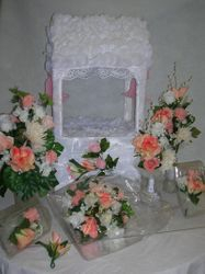 WISHING WELL - CENTERPIECES - WEDDING BOUQUET