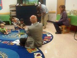 Mayor reading to children