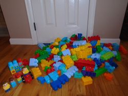 MegaBloks- Quantity of 215 - $40