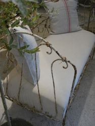 #15/161 Metal Couch  detail