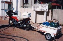 Tom's XJ900 at the SA/NSW Border after the 1994 AGM at Alice Springs - May 1994