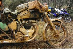 2001 Clawed's bike - held together by mud.... a matchless twin.