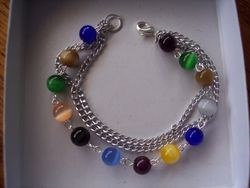Multi colord cat's eye bracelet with chain