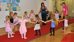 Beginner Ballet & Tumble- End of class circle fun