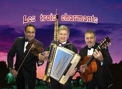 Woho plays french Music