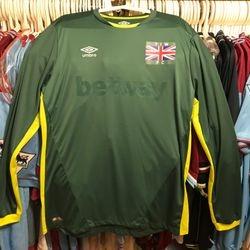Raphael Spiegel bench worn T.I.W goalkeeper shirt