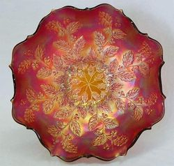 Holly eight ruffled bowl - red
