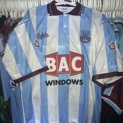 Colin Foster worn 1991/92 away shirt.