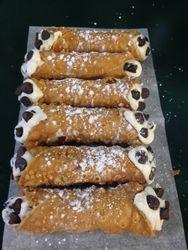Chocolate Chip Cannoliu