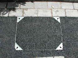 Tarmac inset manhole cover