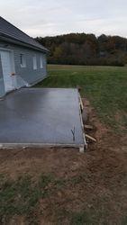 terrasse en ciment coloré gris foncé - 1