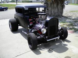 15.30 Ford model A hot rod