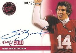 SAM BRADFORD 2010 AUTO ROOKIE CARD OU RAMS PRESS PASS 8/25