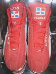 2006 Game Used Shoes Cleats Signed By Albert Pujols
