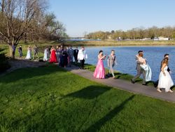 Eagle Prom 2018 Heading to bridge