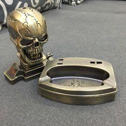 Skull ash tray/lighter