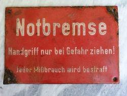 Prieskarine vokiska emaliuota lentele reljefiniais uzrasais. Kaina 27