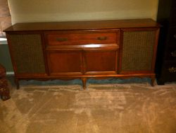 Angela's Curtis Mathes Stereo with turntable